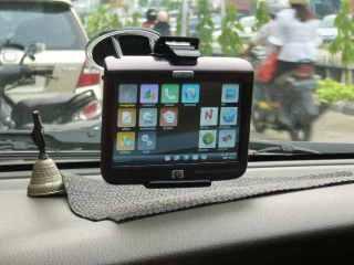 GPS di dalam Mobil
