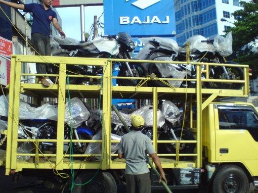 Delivery Bajaj Pulsar
