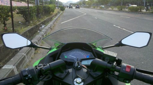 track kosong nih..bersiap twist throttle