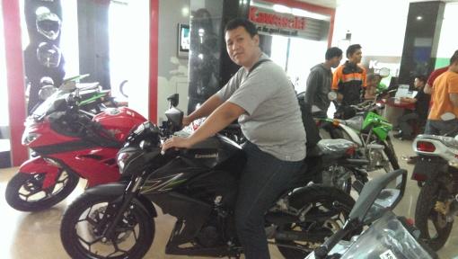 Kawasaki Z250...kekecilan juga...skippp...